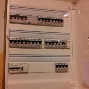 electricien-compteur-electrique-apres-renovation-electricien-grenoble